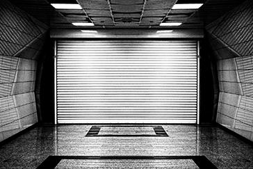 installazione-porte-per-garage-roma-magliana