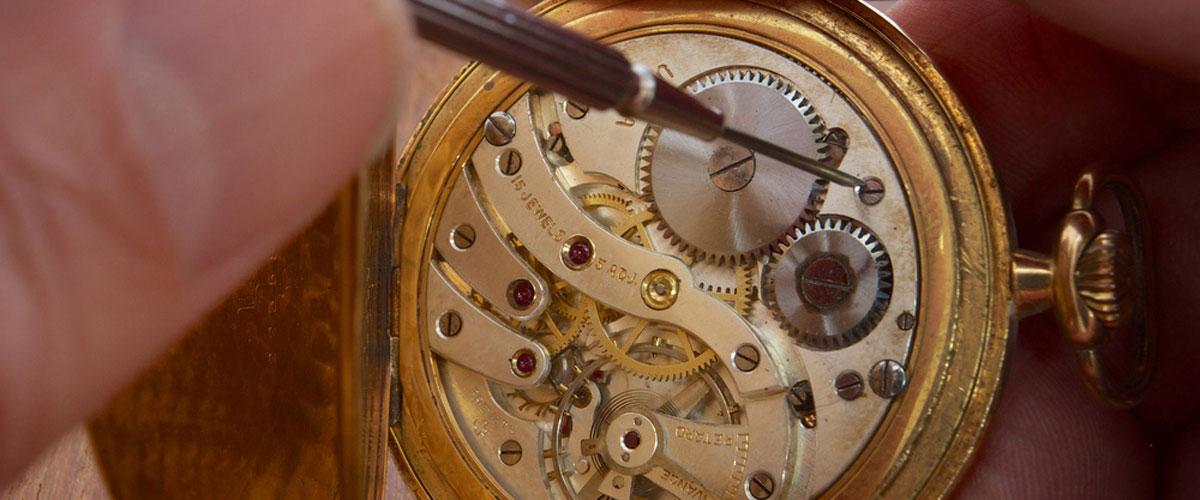 restauro orologi antichi Crotone