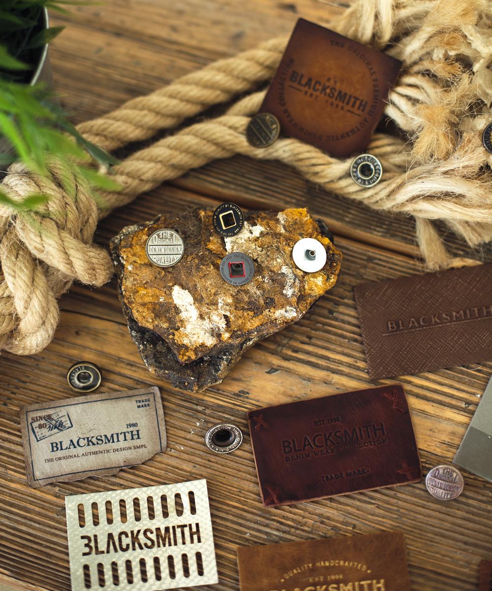 produzione etichette in tessuto per abbigliamento a Mosciano Sant'Angelo Teramo