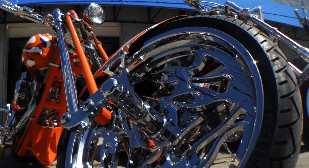 Sostituzione pneumatici moto a Lecce