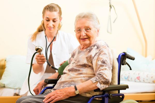 infermiere anziani