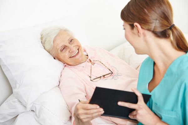 assistenza infermieristica anziani