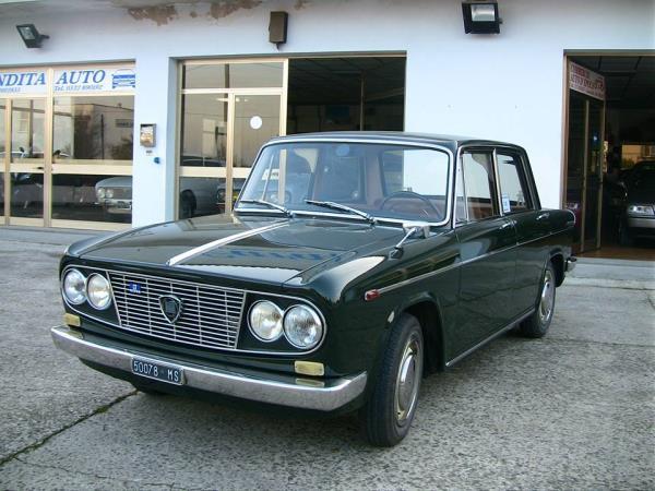 Auto d 'epoca a Bondeno Ferrara