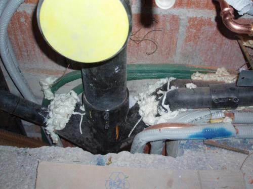 Impianto Idrico Riscaldamento Con Caldaia Scarichi a Trieste