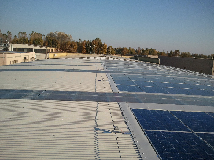risparmio energetico con pannelli fotovoltaici - cafaro coperture - brescia