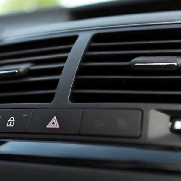 Ricarica aria condizionata auto
