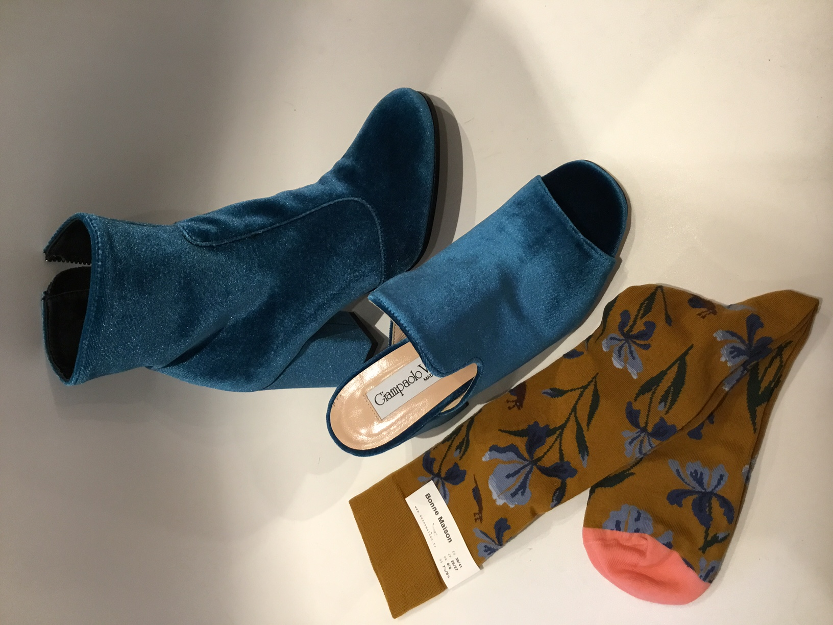 negozio scarpe Follonica