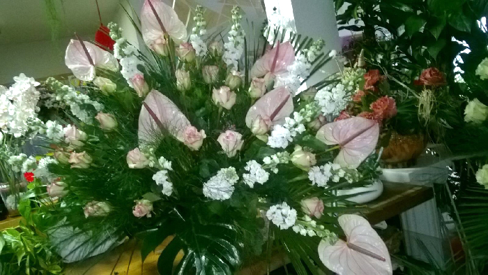 cuscii di fiori, corone di fiori per funerali ceto bs
