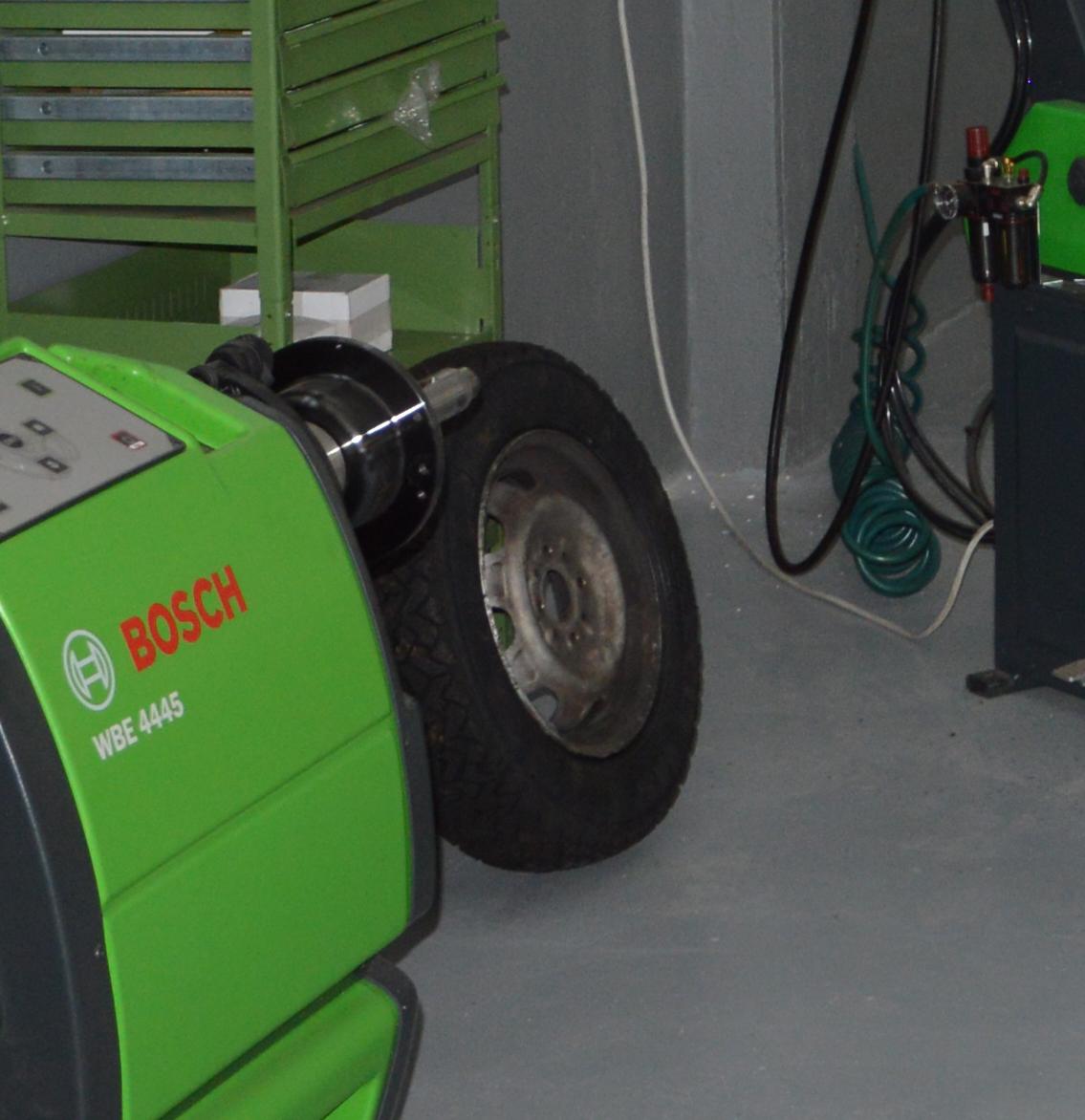 Centro Pneumatici Autofficina RB2 a Poggibonsi Siena