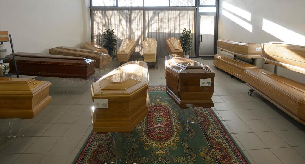 Urne, cofani, accessori funebri