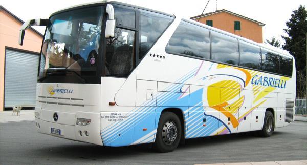 Bus Mercedes Gabrielli Autonoleggio a Genga Ancona