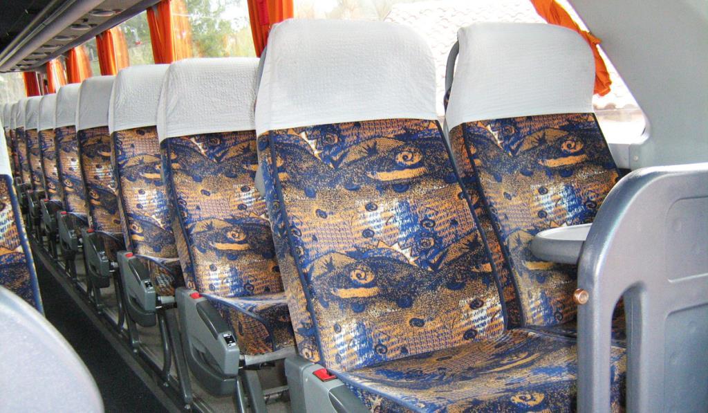 Sedili Bus Mercedes Gabrielli Autonoleggio a Genga Ancona