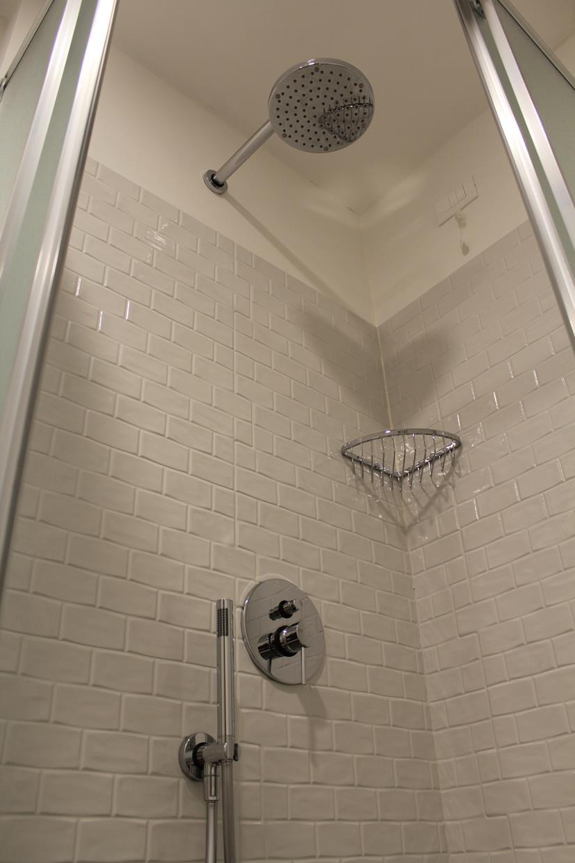 Box doccia camera Raffaello Sanzio