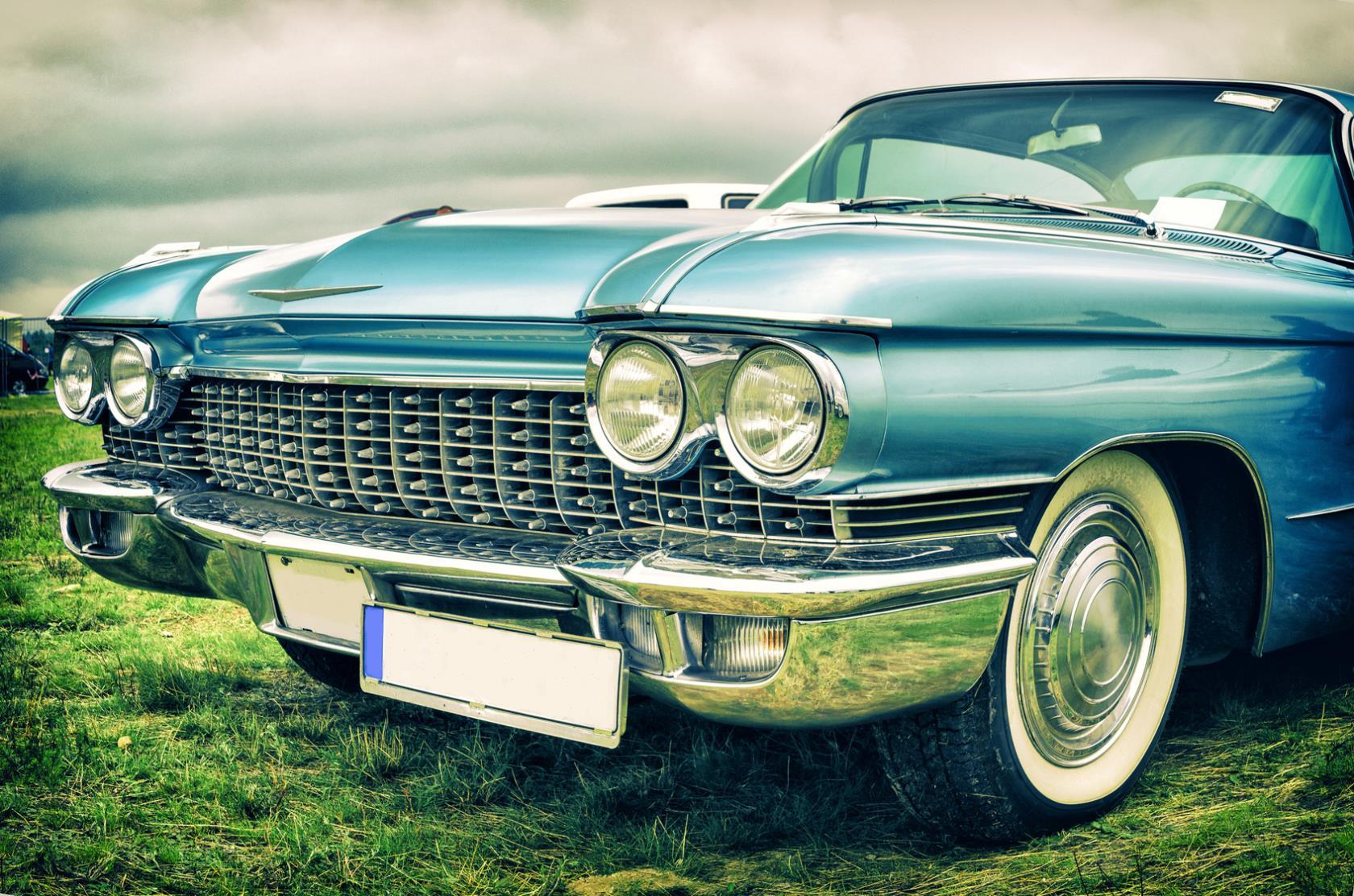 restauro di automobili