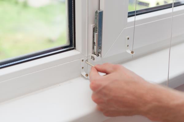 Ferramenta per finestre e porte