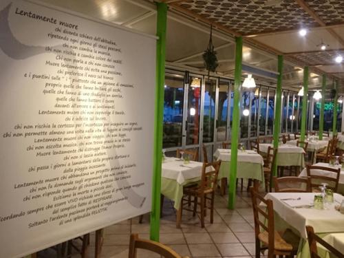 Tavoli Interni Ristorante Namastè a Numana Ancona