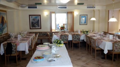The Dining Room Albergo Alpino Livinallongo del Col di Lana