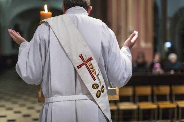 Comandini: quality ecclesiastical clothing rome