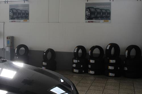 Gomme Plurimarche MC Auto Service a Lecce