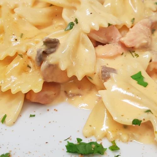 Farfalle al salmone - Pizzeria -  Ristorante CIAK BY KANDISKY (PA)