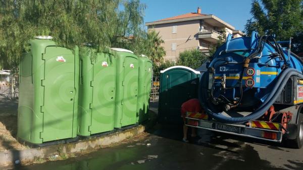 noleggio bagni pubblici Acireale CT