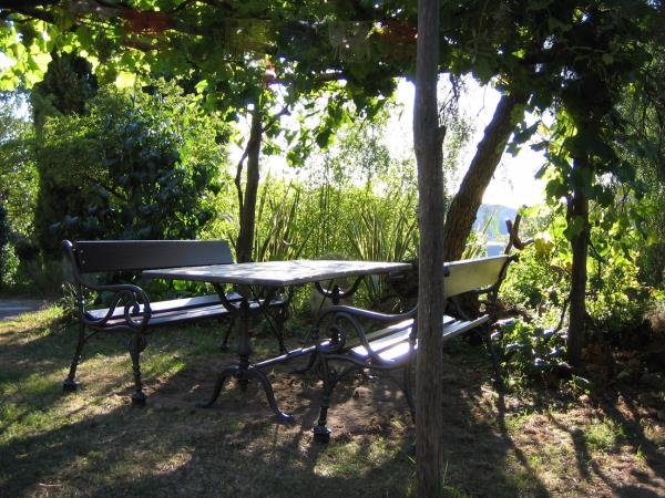 tavoli in ghisa fonderia carnevale roma