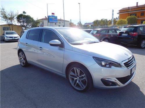 PEUGEOT 308 Allure 1.6 8V e-HDi 115 CV Stop&Start Autoclass ad Atena Lucana Salerno