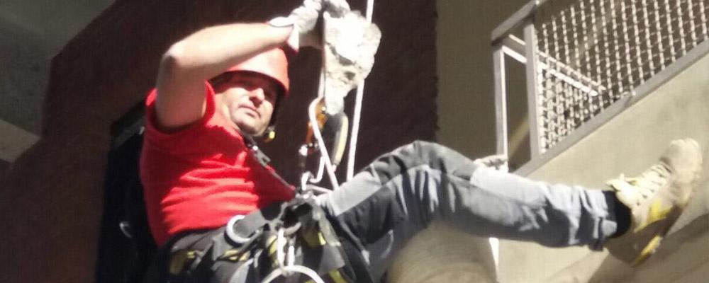 Lavorazione in edilizia acrobatica