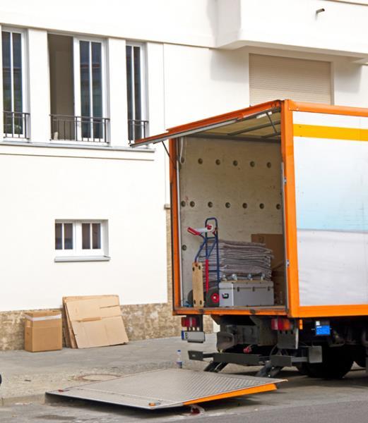 Camion per trasloco Di Gregorio a Taranto