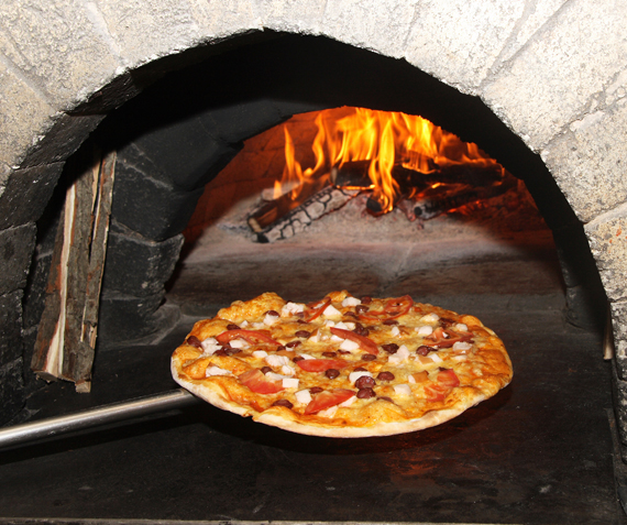 Pizza al Forno a Legna