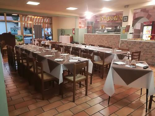 Tavoli Ristorante Pizzeria Napoli's a Osimo Ancona