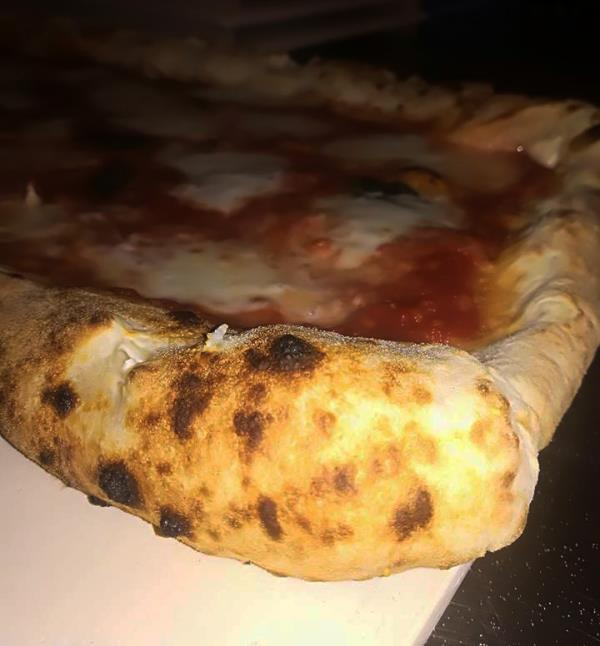 Pizza a Lunga Lievitazione Ristorante Pizzeria Napoli's a Osimo Ancona