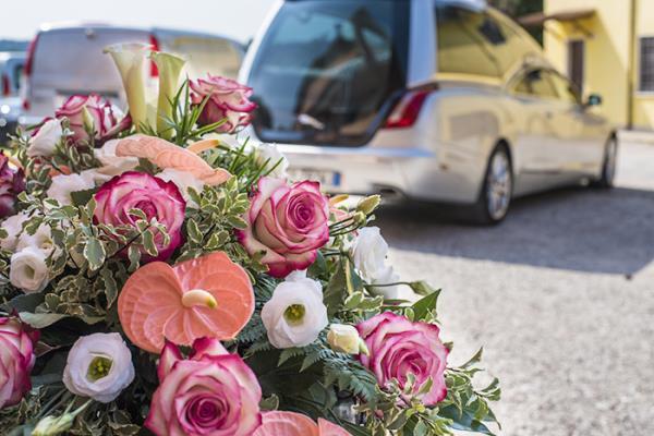 mezzi funebri roma montagnola agenzia funebre lorenzetti lucia