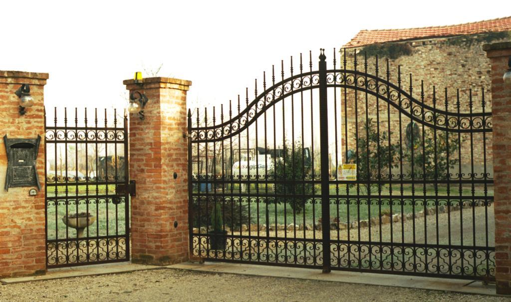 Cancello Nuova Morigi & Conficconi a Cesena Forlì-Cesena