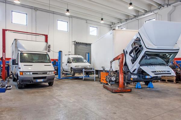 Riparazione veicoli industriali e autovetture