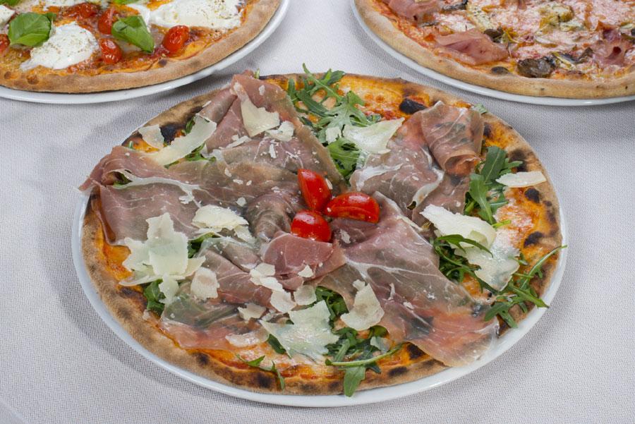 pizza con salumi brescia