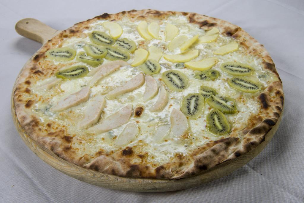 pizza con frutta brescia