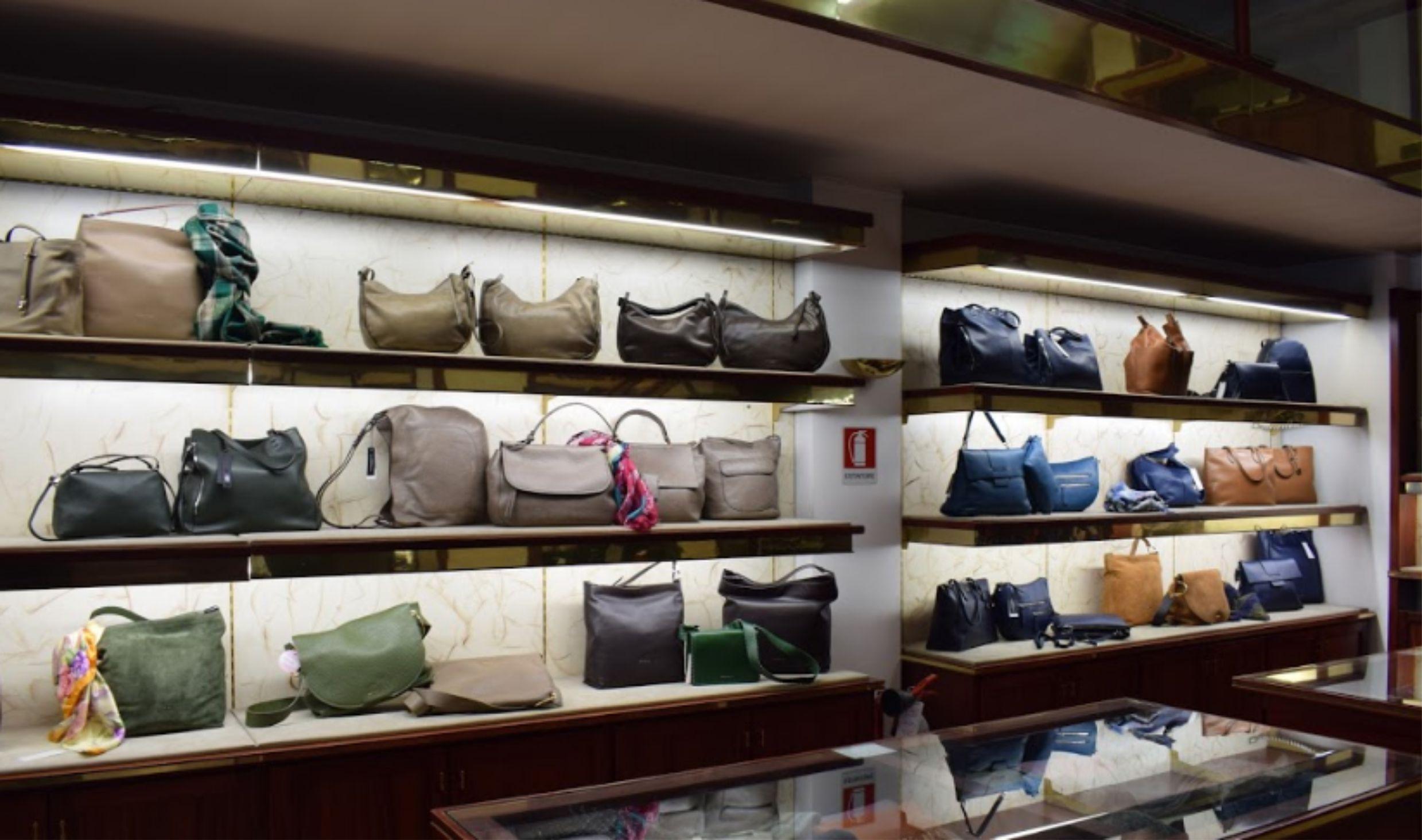 Pelletteria Imperia | vendita Borse Valigie Scarpe Imperia | vendita Abbigliamento ed accessori Imperia | PASTORE FRATELLI Imperia