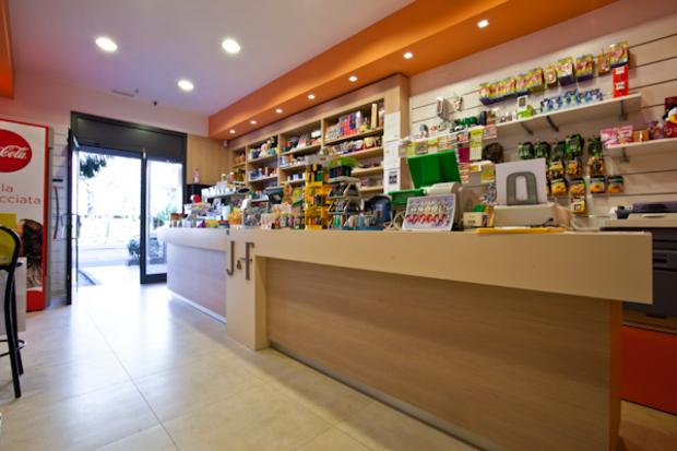 arredamenti per negozi no food Caltanissetta