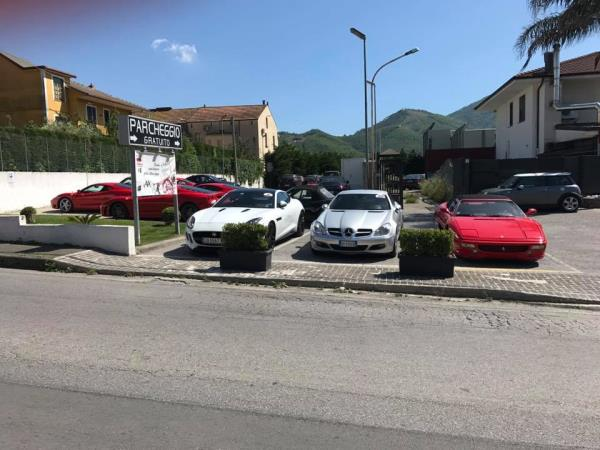 Parco Auto Luxury Cars and Coffee a Salerno