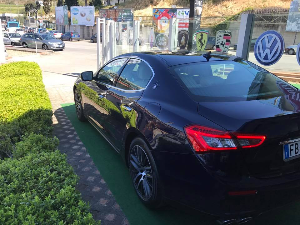 Automobile Luxury Cars and Coffee a Salerno