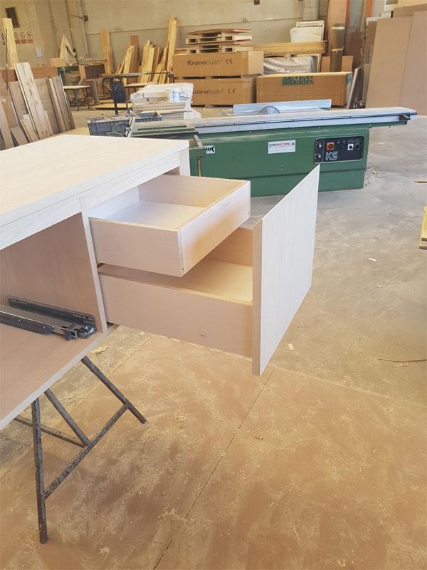 mobili in legno pregiato brescia