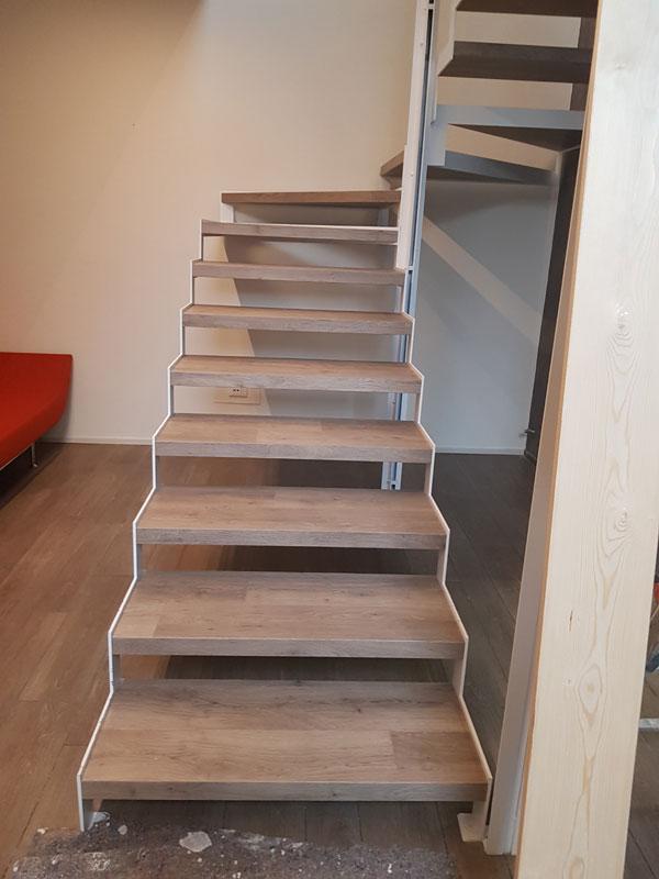 scala in legno su misura bs