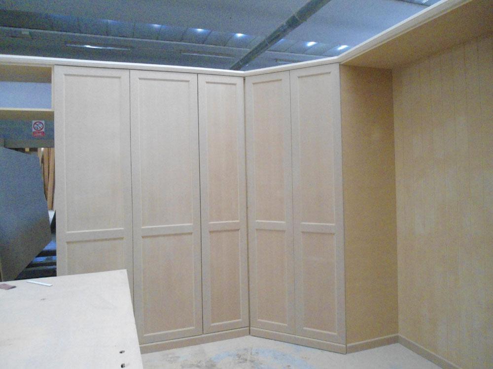 cabina armadio in lavorazione bs