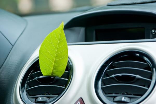 manutenzione climatizzatori auto