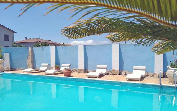hotel con piscina buddusò