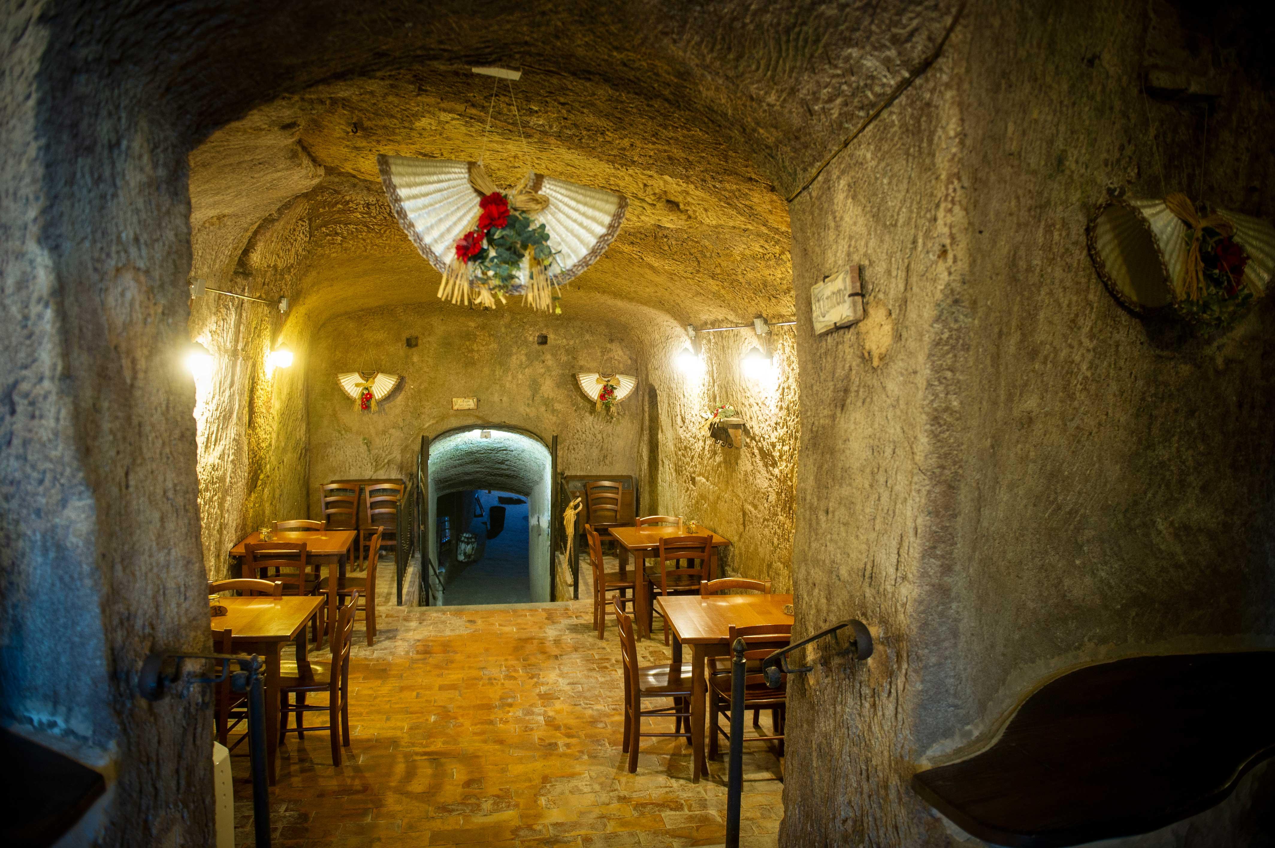 ristorante cucina in grotta soriano