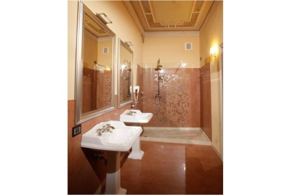 suite bagno in camera isola dovarese