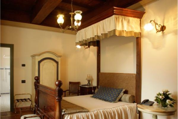 camera hotel isola dovarese