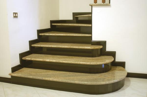 scale marmo viterbo